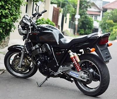 Мотоцикл Honda CB400SF 1998 год